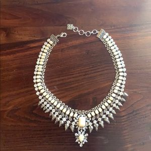 Beautiful Vintage Style Necklace